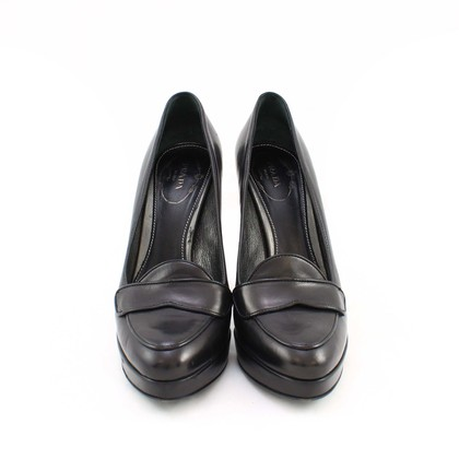 Authentic Second Hand Prada Court style shoes (PSS-003-00012)