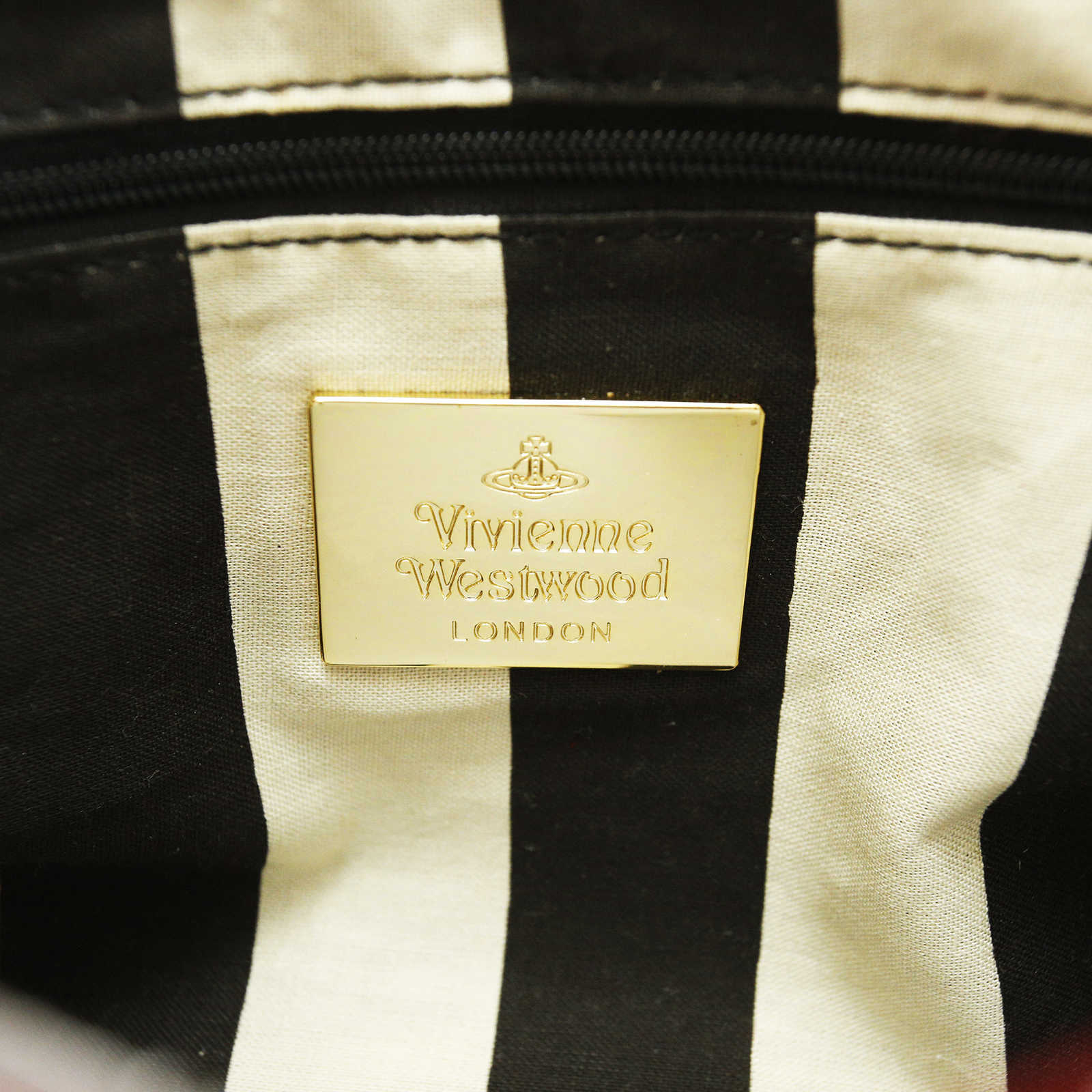 89b866fbf1 ... Authentic Second Hand Vivienne Westwood Patent Leather Clutch  (PSS-005-00004) -