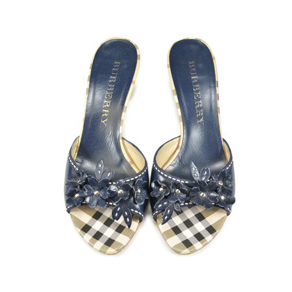 Authentic Second Hand Burberry Floral Kitten Heels (PSS-047-00033)