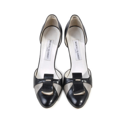 Authentic Second Hand Manolo Blahnik Cutout D'orsay Heels (PSS-073-00006)