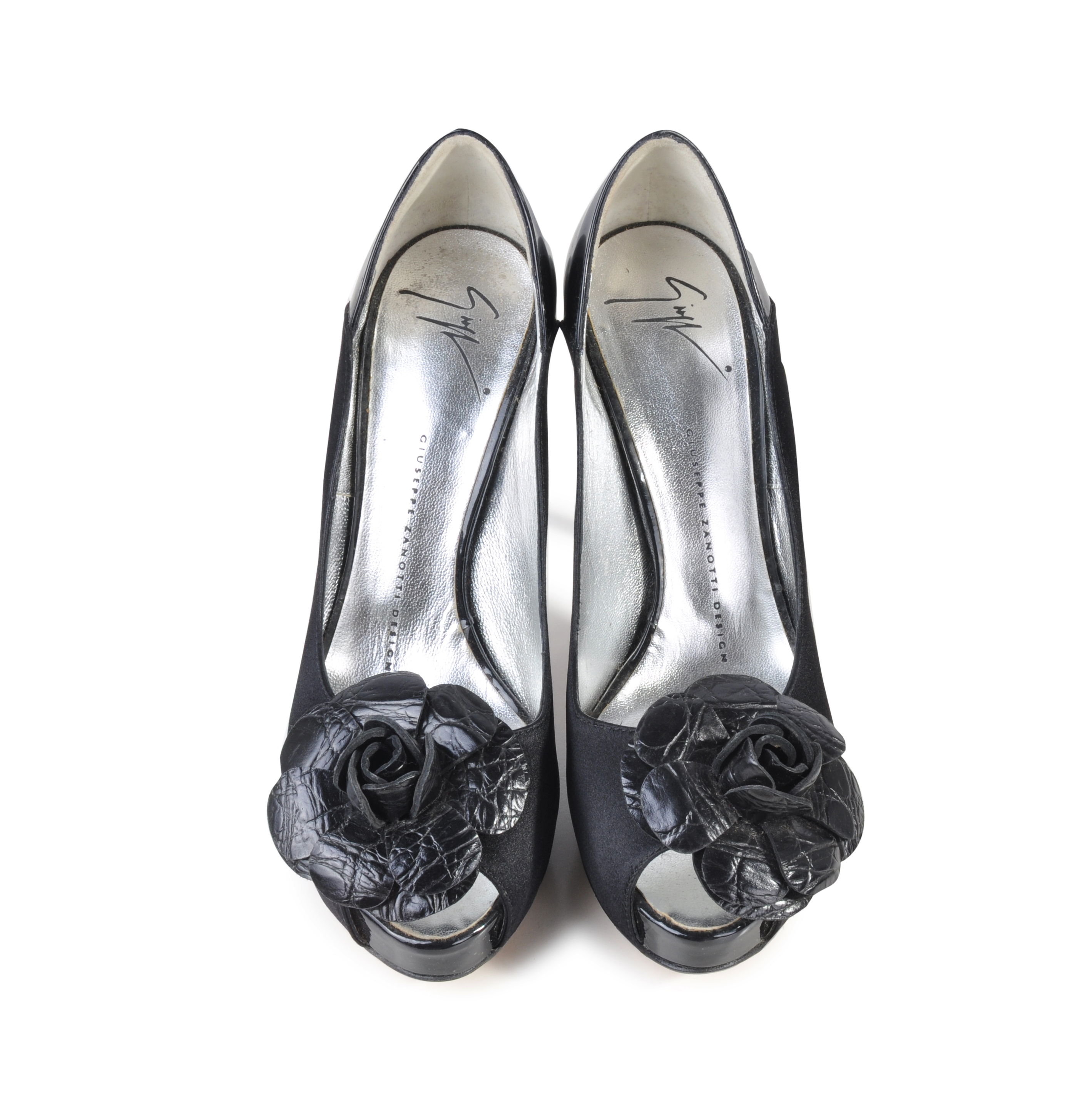 45611a83a01ca Authentic Second Hand Giuseppe Zanotti Floral Accented Pumps  (PSS-049-00007) - THE FIFTH COLLECTION