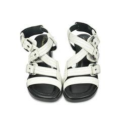 Bee Lizard Emboss Sandals