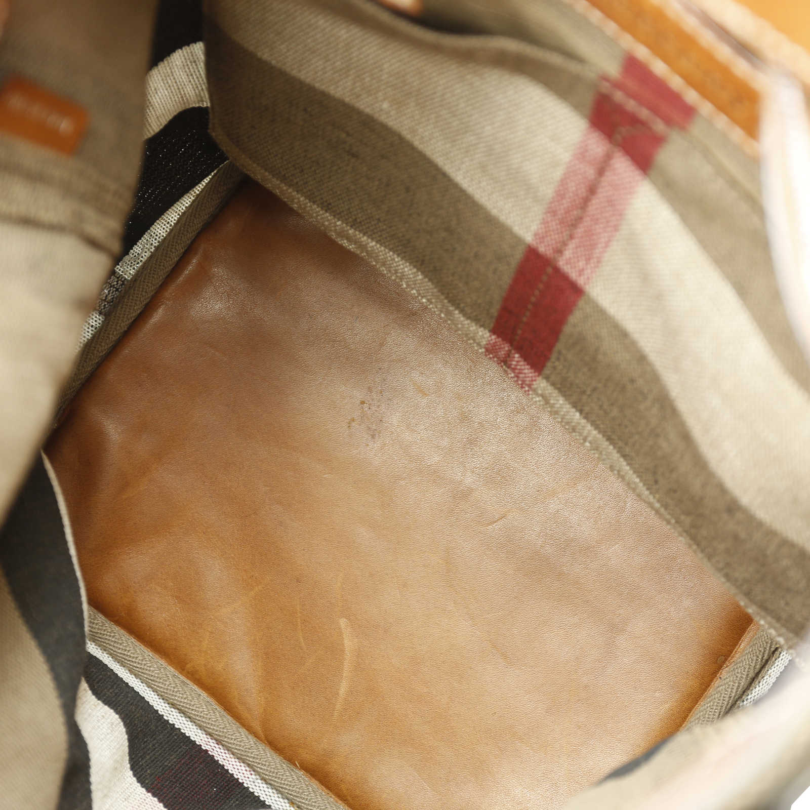 dacbf806b1cd ... Authentic Second Hand Burberry  Susanna  Bucket Bag (PSS-156-00041)