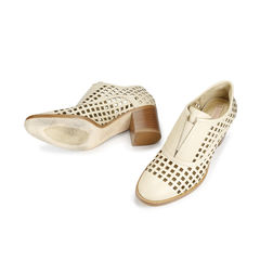 Laser cut oxford style pumps 2