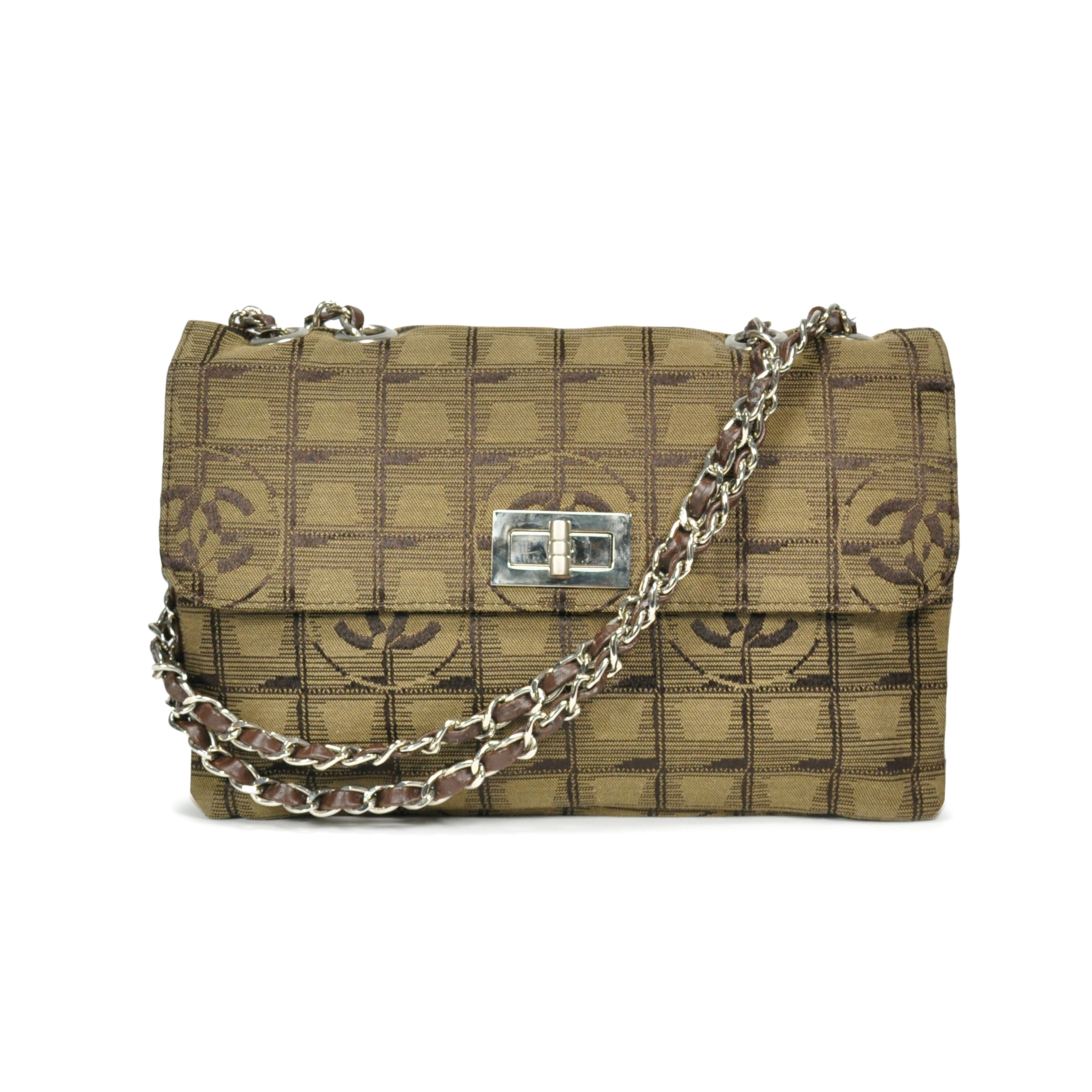 Authentic Pre Owned Chanel New Travel Line Flap Bag (PSS-200-00017 ... ddfdb5b8c725a