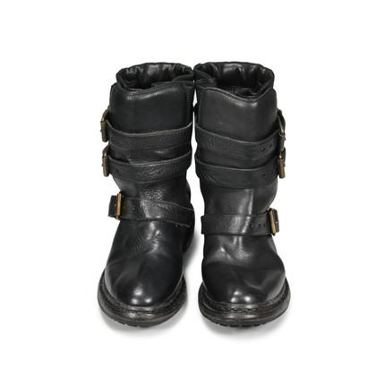 Burberry Clarendon Boots