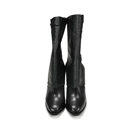 Authentic Second Hand Alexander McQueen Detachable Collar Boots (PSS-200-00046)