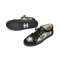 Chanel star cc suede low cut lace up sneaker 2