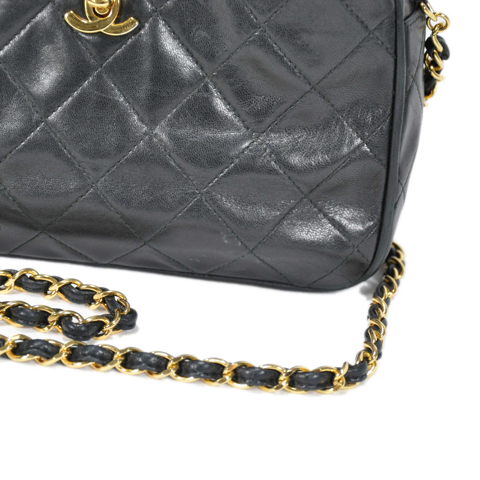 8dc216055d2c ... Authentic Second Hand Chanel Quilted Classic Camera Bag (PSS-236-00004)  ...