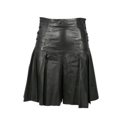 Authentic Second Hand Alexander McQueen High Waisted Pleated Leather Shorts (PSS-200-00177)