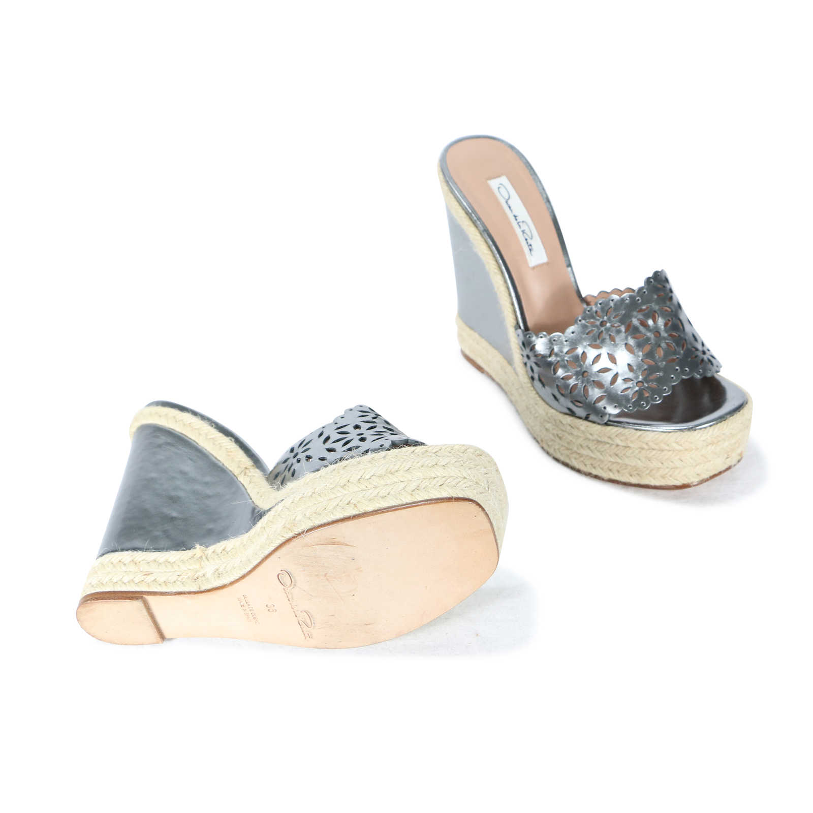 75b30666d4c6 oscar-de-la-renta-laser-cut-wedge-high-espadrille-sandals-3.jpg