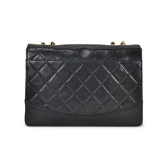 Chanel lock detail single flap bag 3