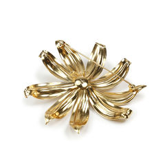 Christian dior faux pearl flower brooch 2