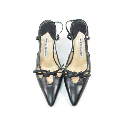 Authentic Second Hand Manolo Blahnik Pointed Slingback Pumps (PSS-295-00034)