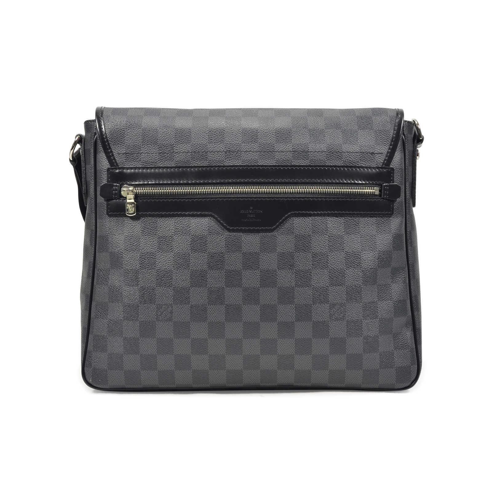 2dbd80601666 ... Authentic Second Hand Louis Vuitton District MM Bag (PSS-311-00017) ...