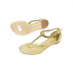 Alexander mcqueen metallic t strap sandals 2?1504081535