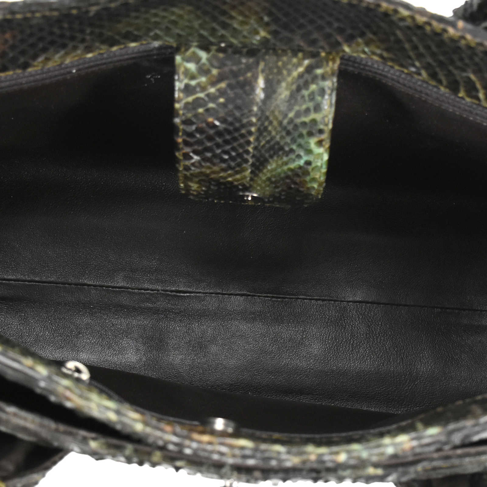00c4f191f2b1 ... Authentic Second Hand Chanel Python Cerf Tote (PSS-200-00903) -  Thumbnail ...