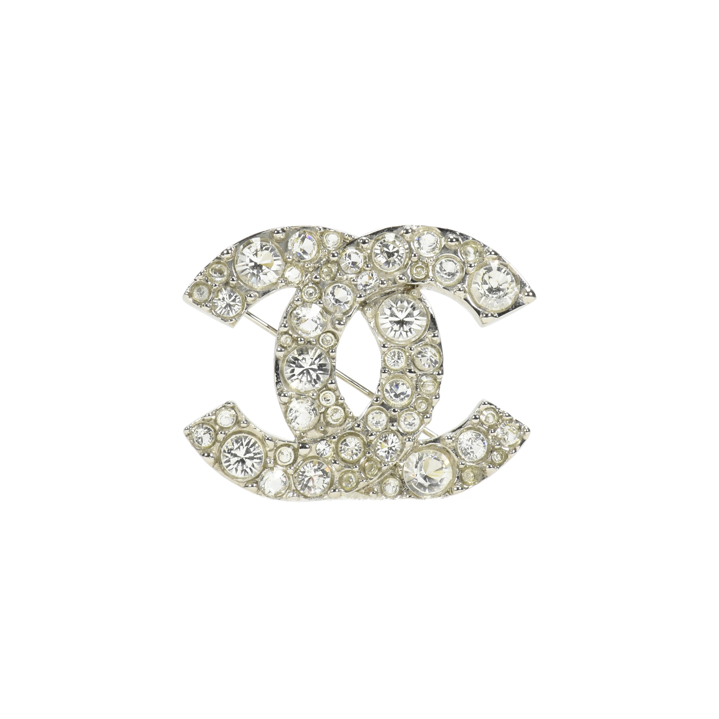shop features crop dazzling editor s a four product brooches new timeless lion set collection pin subsampling l lesprit du false chanel esprit with including jewellery chanels upscale cut high the scale brilliant diamonds brooch