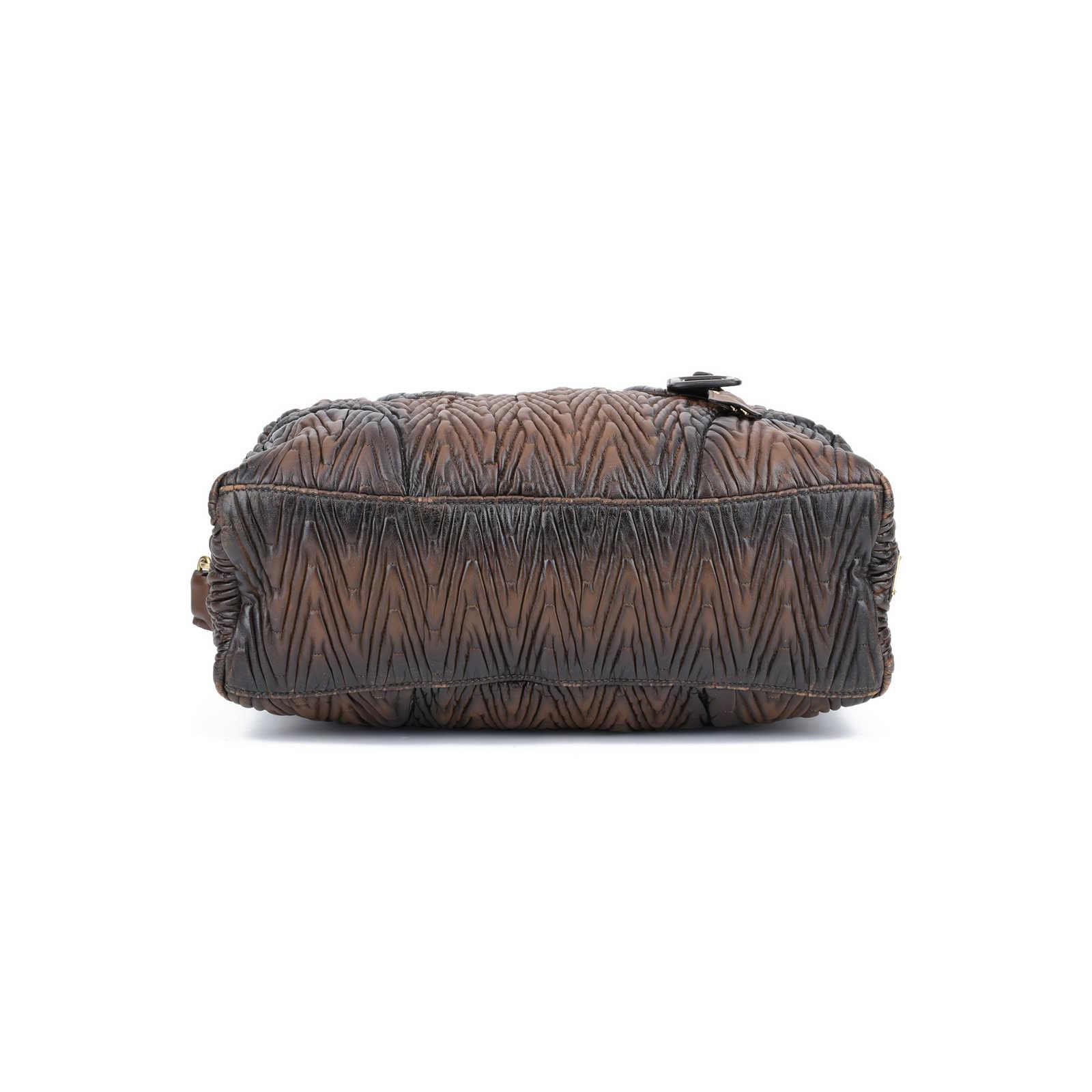 b16d936bb972 ... Authentic Second Hand Prada Nappa Chevron Handle Bag (PSS-420-00036) ...