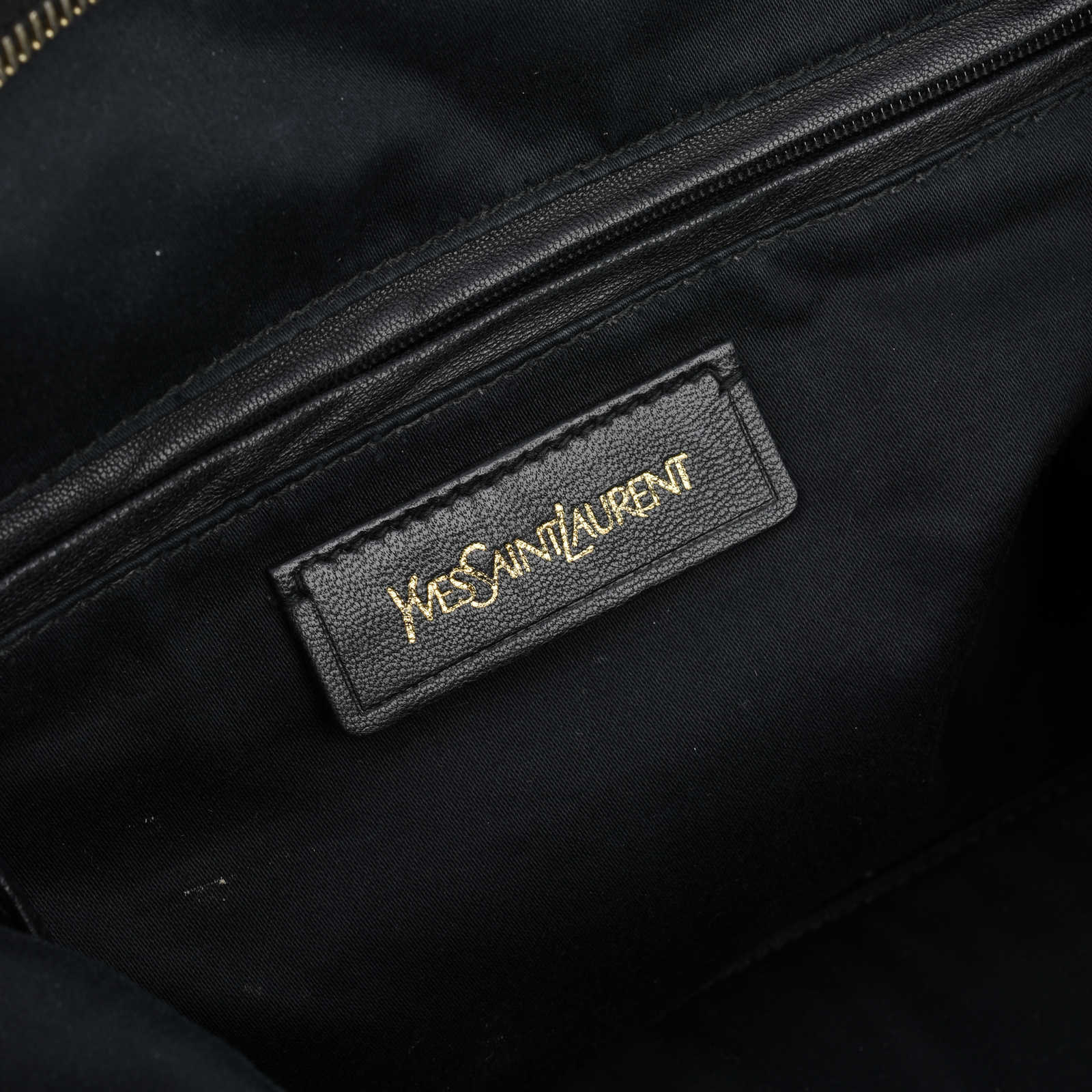 d71b5ce136c5 ... Authentic Second Hand Yves Saint Laurent Easy Y Bag (PSS-425-00001)