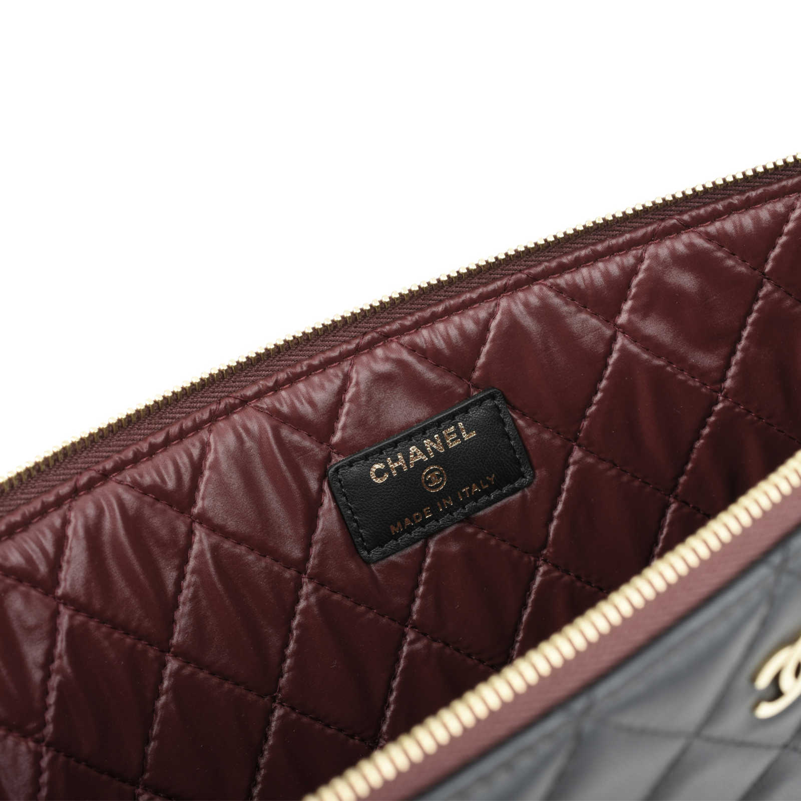 4d4a98d6be ... Authentic Second Hand Chanel Lambskin Quilted Pouch (PSS-051-00281) -  Thumbnail