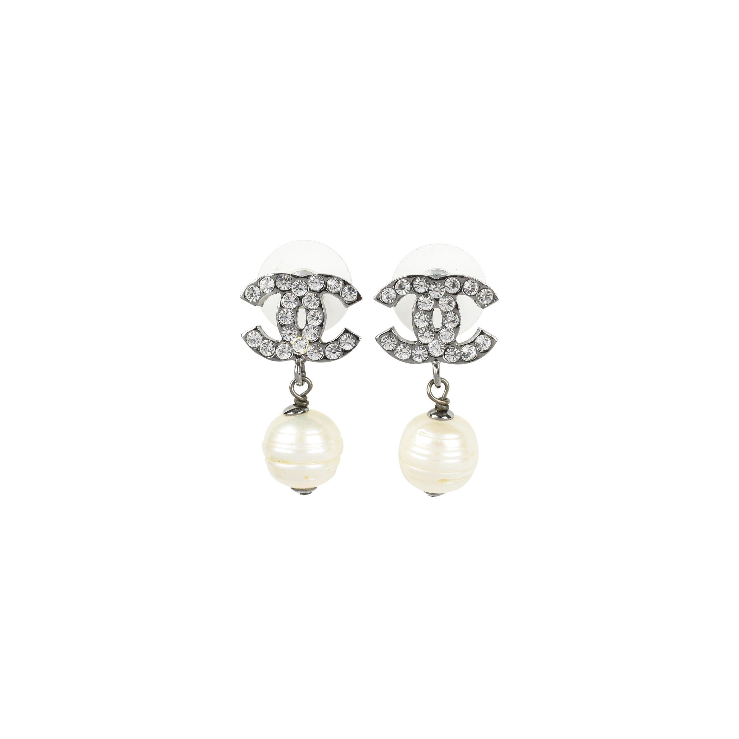 second hand chanel cc pearl drop earrings metallic the fifth collection. Black Bedroom Furniture Sets. Home Design Ideas