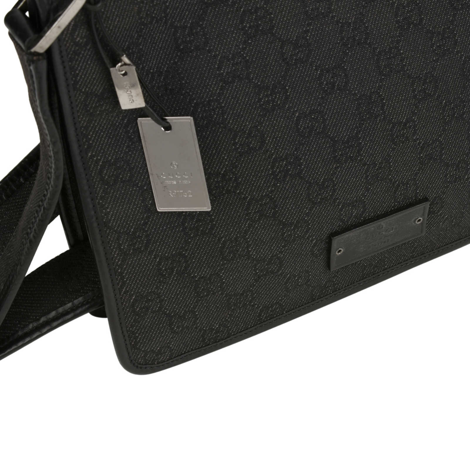 9a506571e ... Authentic Second Hand Gucci GG Canvas Crossbody Bag (PSS-415-00011) ...