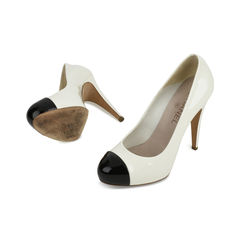 Chanel classic white patent leather black cap toe pumps 2?1518672503