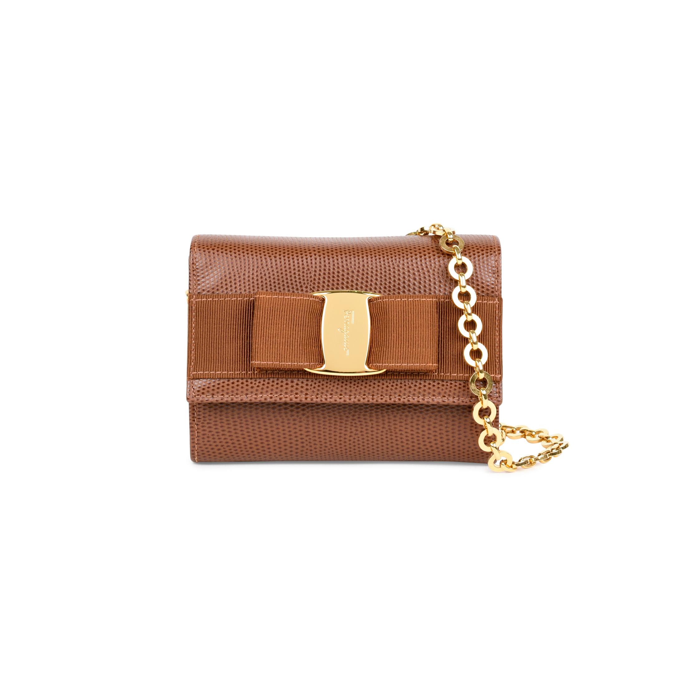 0fe2dfc5b3 Authentic Vintage Salvatore Ferragamo Vara Bow Chain Shoulder Bag  (PSS-460-00007)