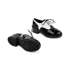 Chanel striped patent cap toe lace ups 2?1521614236