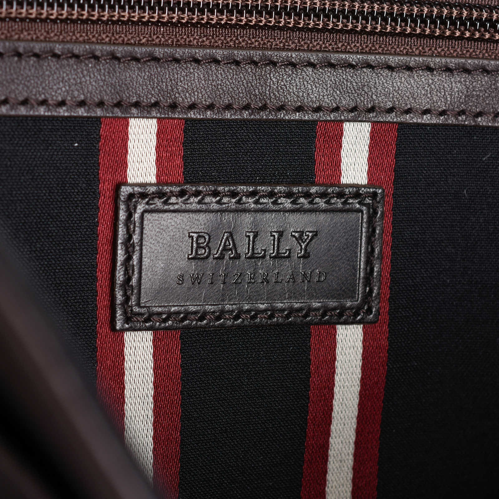 0c165488b4 ... Authentic Second Hand Bally Leather Messenger Bag (PSS-462-00021) -  Thumbnail