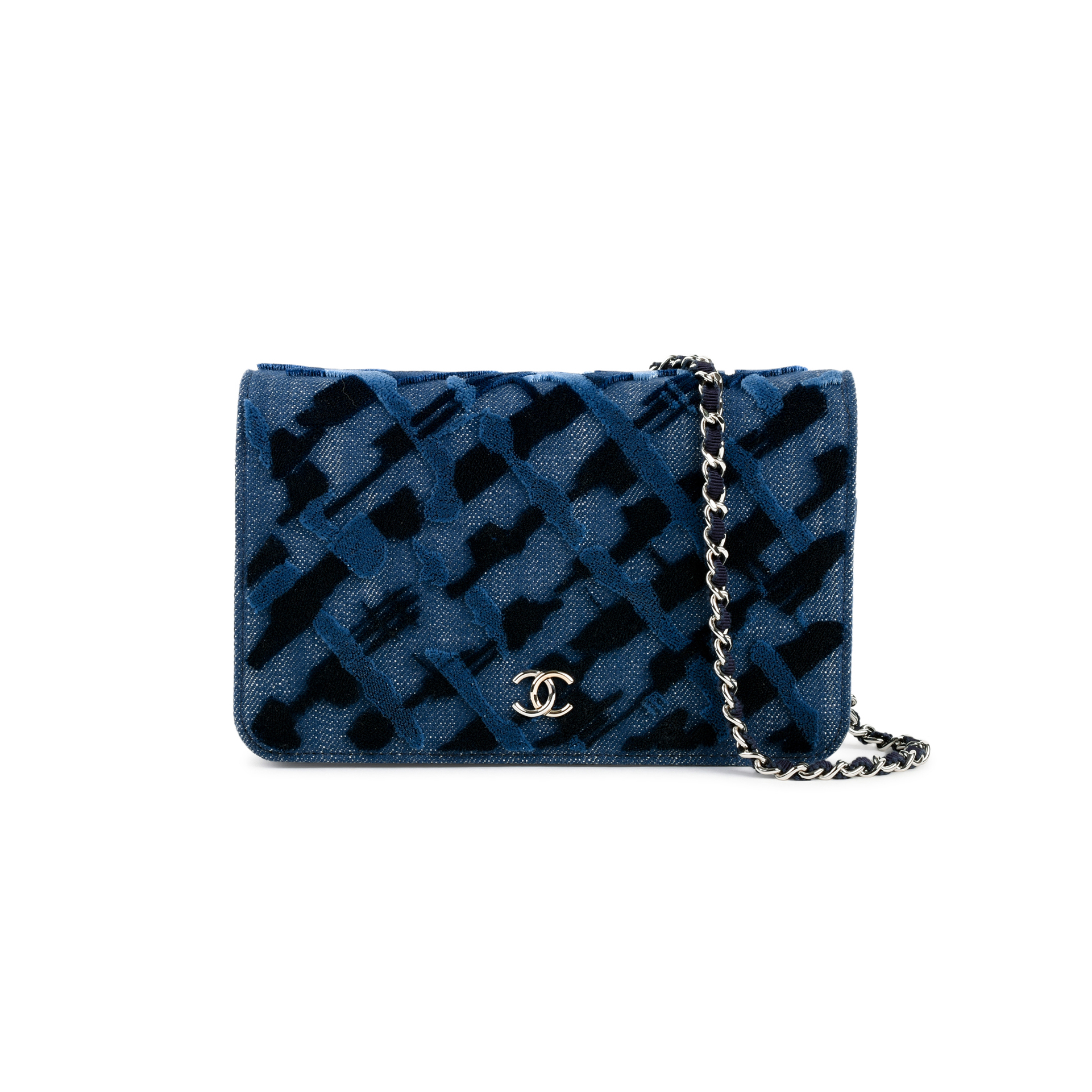 606b56da4b01 Authentic Second Hand Chanel Denim Velvet Wallet on Chain (PSS-145-00168)