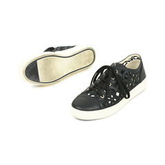 Chanel camellia laser cut sneakers 2?1528344547