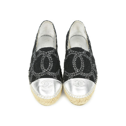 Authentic Second Hand Chanel Two Tone Logo Espadrilles (PSS-503-00006)