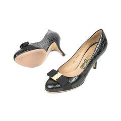 Salvatore ferragamo carla bow pumps black 2?1529555701