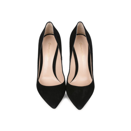 Authentic Second Hand Gianvito Rossi Pointed Toe Pumps (PSS-126-00078)