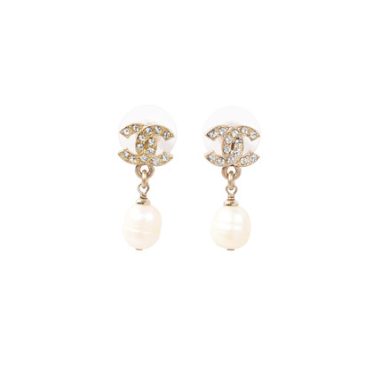 Authentic Second Hand Chanel CC Drop Pearl Earrings (PSS-233-00032)
