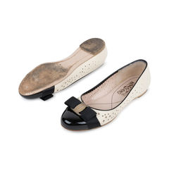 Salvatore ferragamo glenda perforated flats 2?1537932704