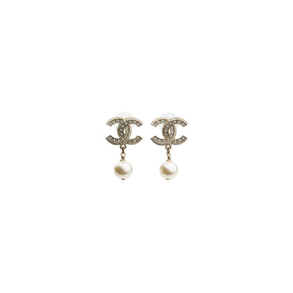 Authentic Second Hand Chanel CC Dangle Pearl Earings (PSS-566-00053)
