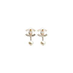 Chanel cc dangle pearl earings 2?1539069075