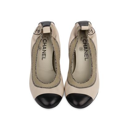 Authentic Second Hand Chanel Elastic Ballet Pumps (PSS-566-00114)