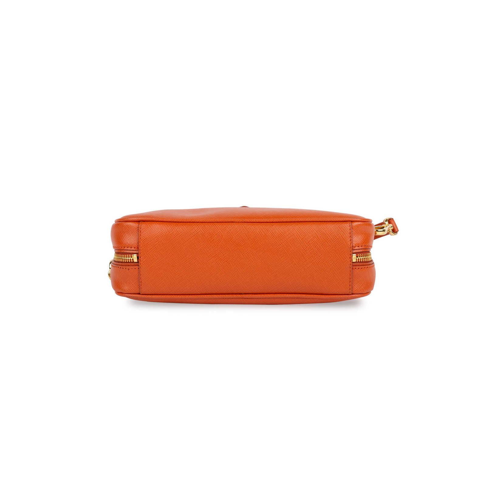 01d7f7e7d394 ... Authentic Second Hand Prada Saffiano Lux Pochette (PSS-434-00012) -  Thumbnail ...