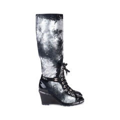 Chanel distressed paint suede high boots 2?1543566185