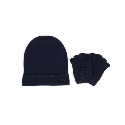 Authentic Second Hand Chanel Beanie and Gloves Set (PSS-200-01574)