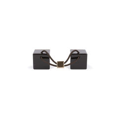 Louis vuitton black hair cubes 2?1544079516