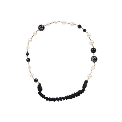 Authentic Second Hand Chanel Faux Pearl and Beads Headband (PSS-600-00009)