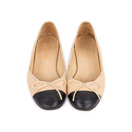 Authentic Pre Owned Chanel Two Toned Ballerina flats (PSS-595-00008)