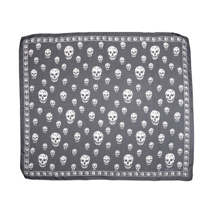 Authentic Second Hand Alexander McQueen Classic Skull Scarf (PSS-193-00098)