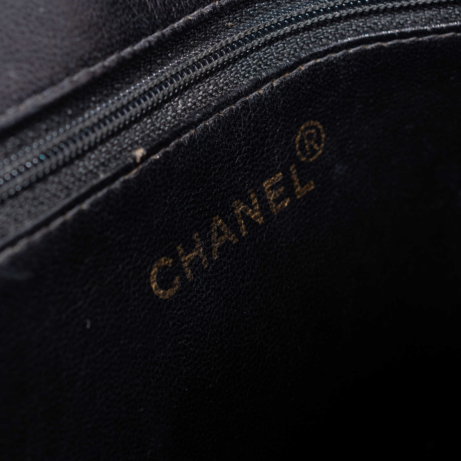 ... Authentic Vintage Chanel Medallion Tote Bag (PSS-606-00011) - Thumbnail  8 73ba15f88d0ac