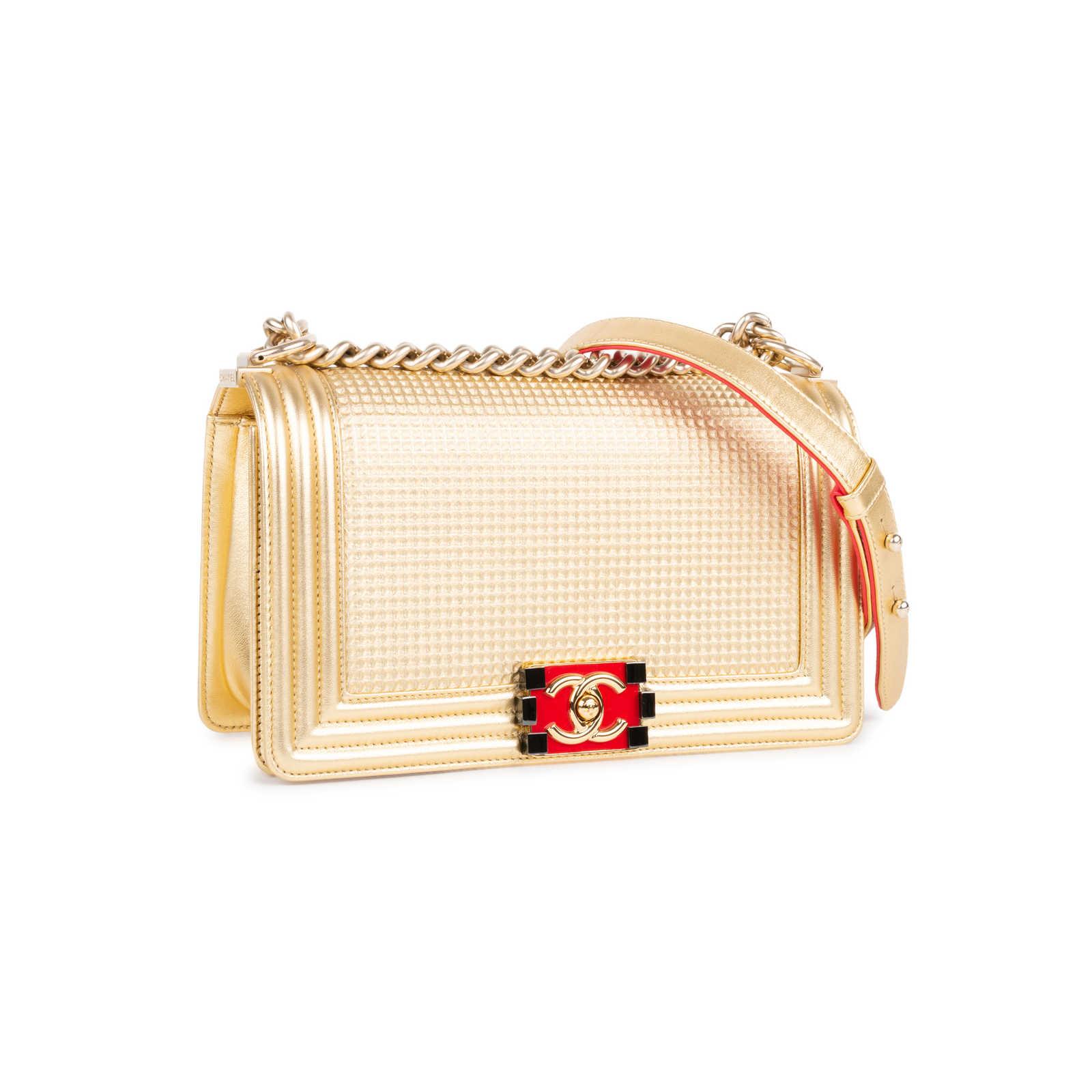 c0606f86ecc6 ... Authentic Second Hand Chanel Cube Boy Medium Bag (PSS-333-00060) ...